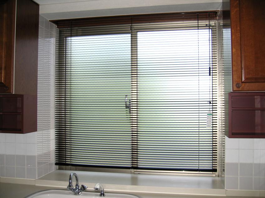 Curtain03